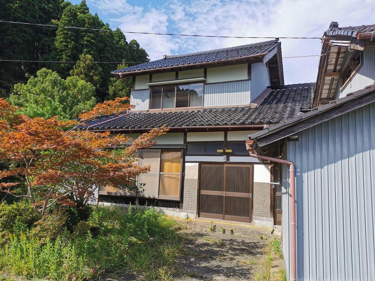 【阿尾】風情ある日本家屋で庭仕事を楽しむ